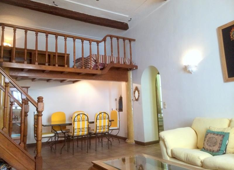Living room and Dining Room - The Old Ambassador's Residence - Lovely 3 Bedroom in Antibes Old Town - Antibes - rentals