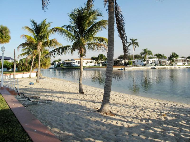 community 's own private beach - NEW WATERFRONT HOME  to Rent in FLORIDA - West Hollywood - rentals