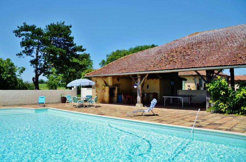At the pool - Au Marron - Seissan - rentals