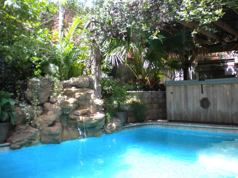 Tropical Oasis Waterfall Delight!! - Uptown Tropical Oasis-Pool/Spa/Outdoor Kitchen -Best Of Magazine! - New Orleans - rentals