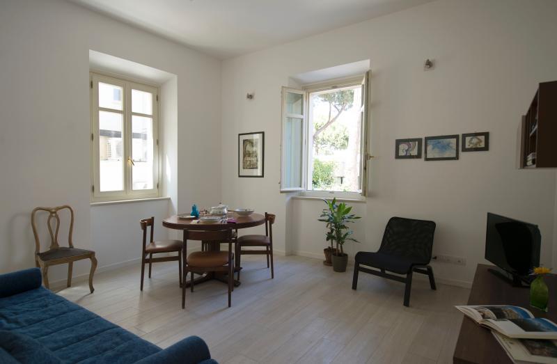 Lovely 2bdr apt in a villa - Image 1 - Rimini - rentals