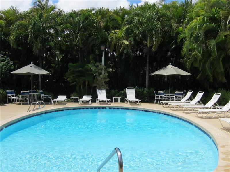 Plantation Hale F8-AC, Full Kit, 3 Pools, 2 QN BED - Image 1 - Kapaa - rentals