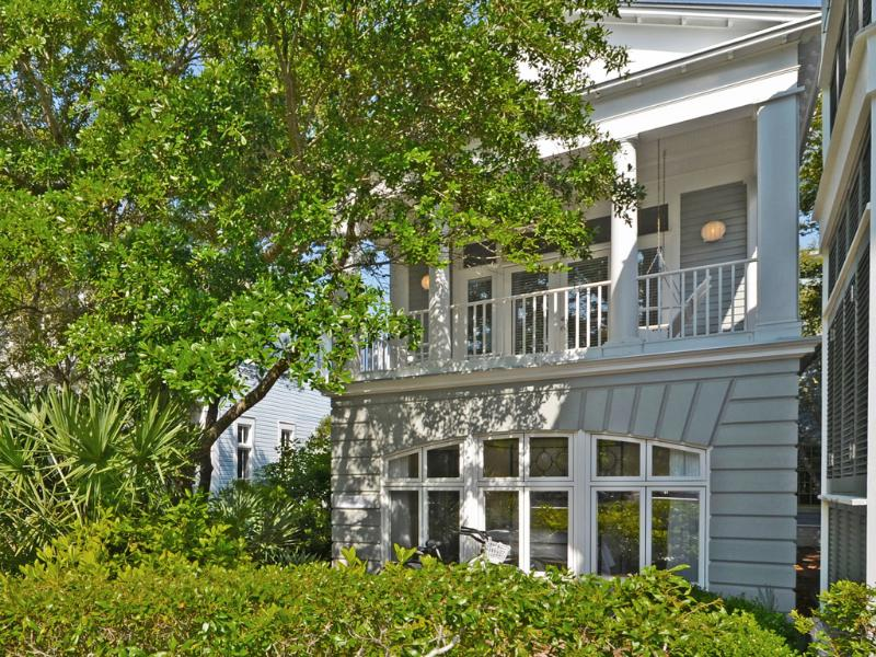 Front Exterior - Spin Echo - Seaside - rentals