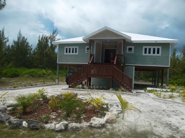 Front view - HappyDaze Vacation Home - Walk across to beach - Treasure Cay - rentals