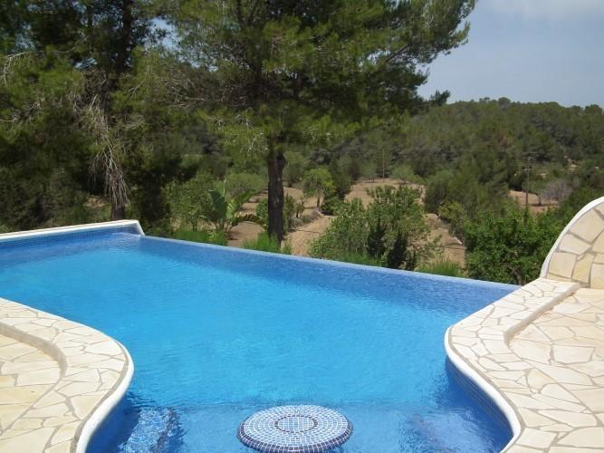 4 bedroom Villa in Benimussa, Ibiza, Ibiza : ref 2240122 - Image 1 - San Agusti des Vedra - rentals