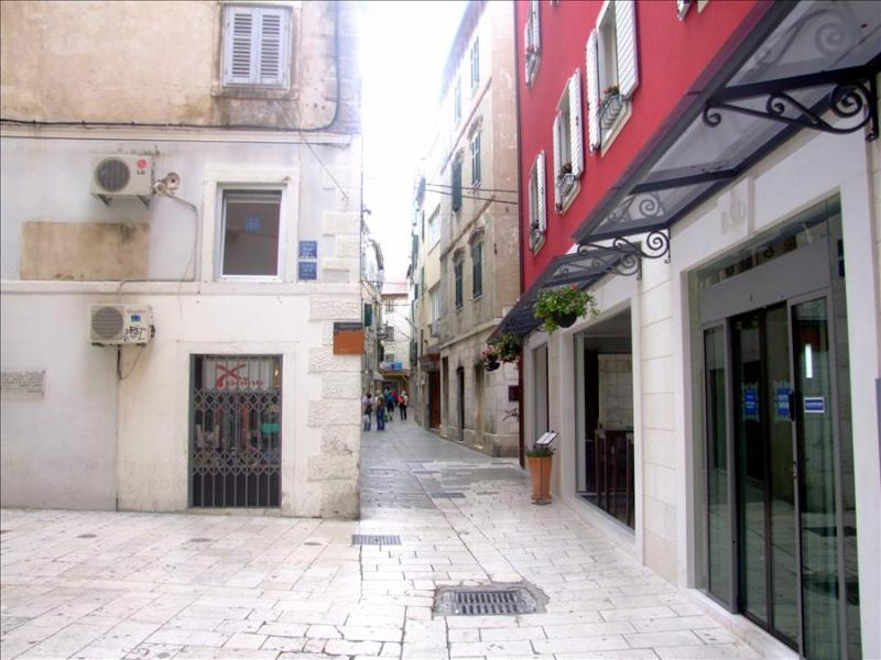 Room Windows in Split City - Image 1 - Split - rentals