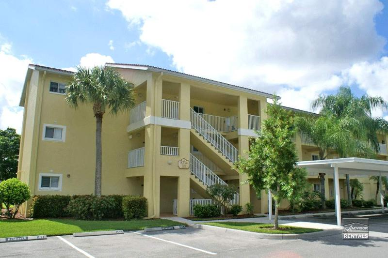 Serene lake views from this North Naples condo - Image 1 - Naples - rentals