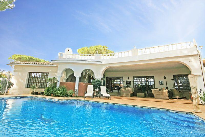 6 bed villa,  San Pedro - 1500 - Image 1 - Estepona - rentals