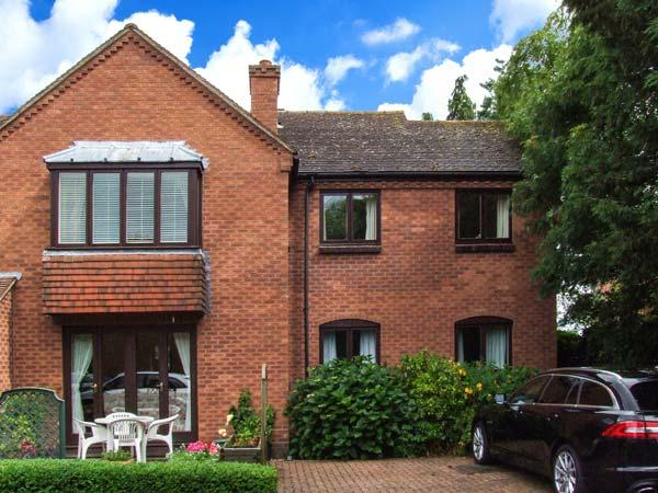 21 BANCROFT PLACE, gas fire, WiFi, close to town amenities, Ref 911963 - Image 1 - Stratford-upon-Avon - rentals