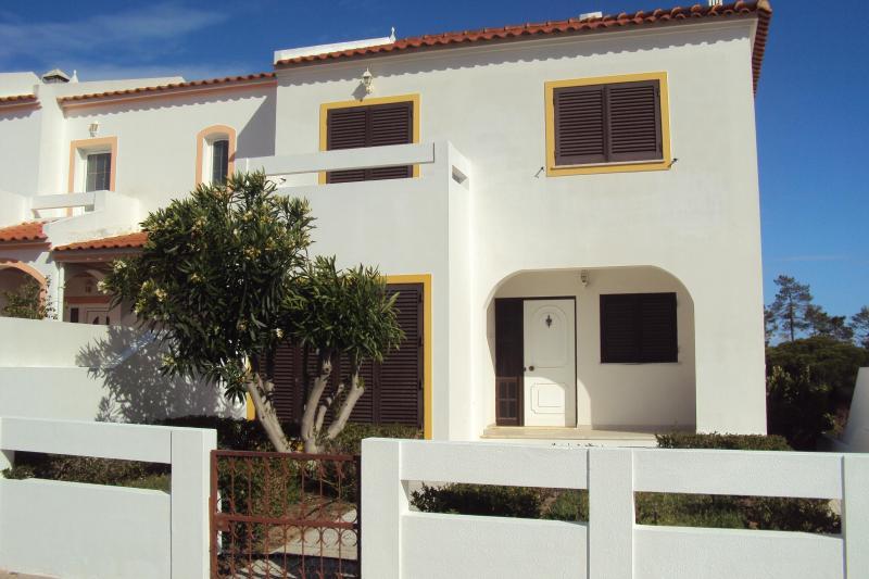 Villa Retur - Image 1 - Monte Gordo - rentals
