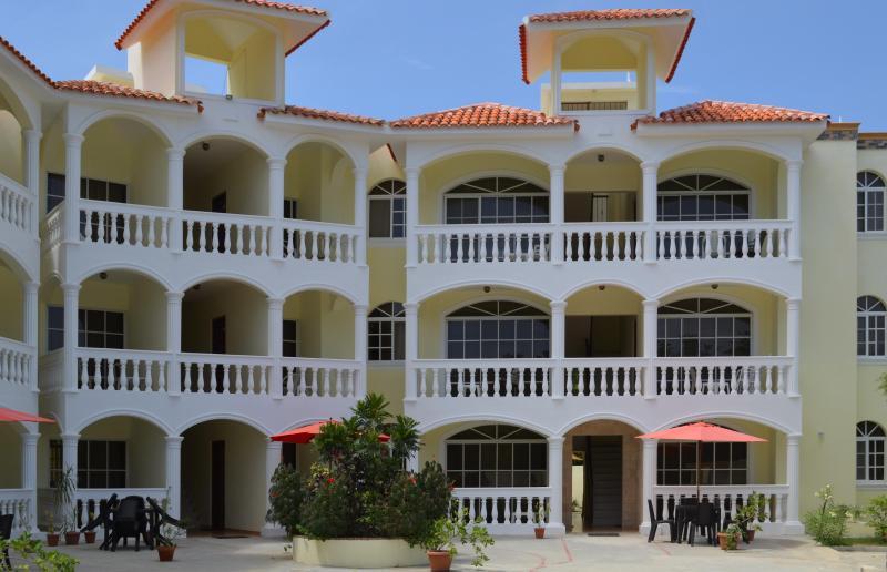 Full view - Beach two-bedroom apartment #14 - Puerto Plata - rentals