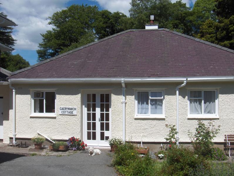 Entrance - Caerynwch Cottage - Brithdir - rentals