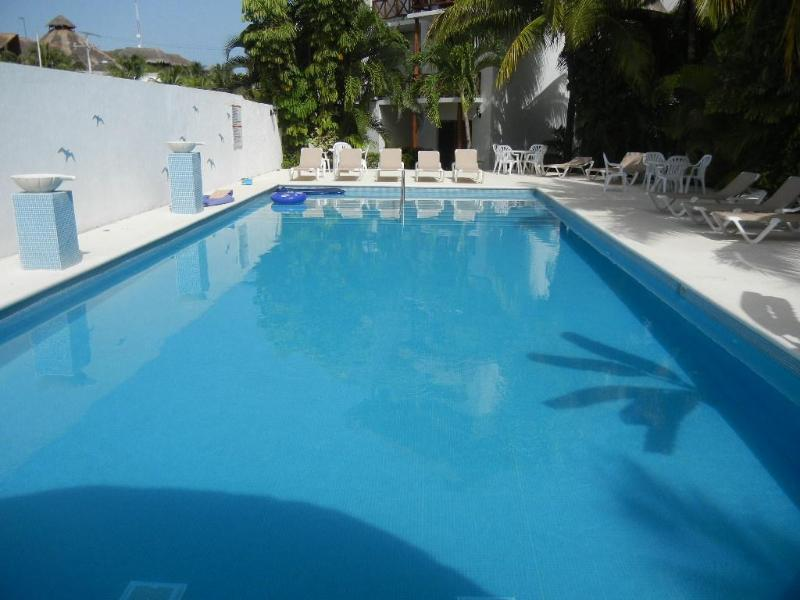 WALK TO THE BEACH!!! BEAUTIFUL CONDO WITH POOL - Image 1 - Playa del Carmen - rentals