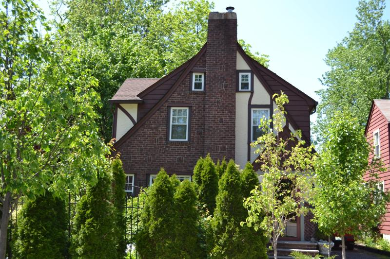 Seek Solice - Old Word Charm Minutes from Manhattan - Teaneck - rentals