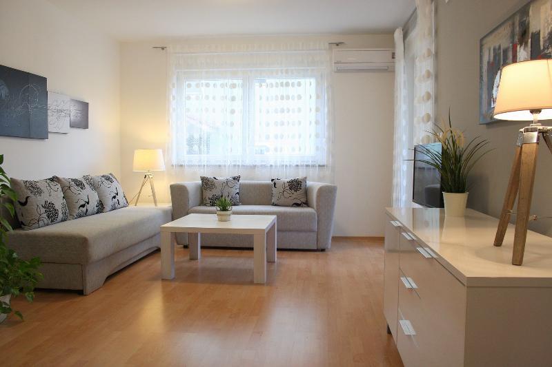 Apartment Sunshine (4) - Image 1 - Medulin - rentals