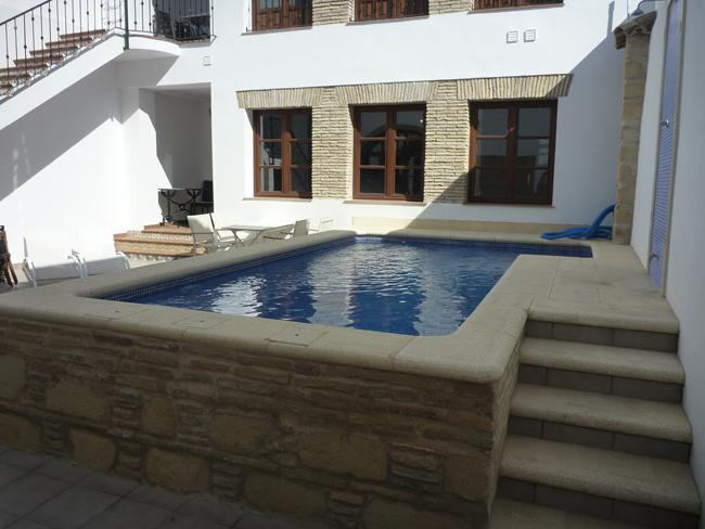Swimming pool - Charming Andaluzian apartment in central Jerez - Jerez De La Frontera - rentals