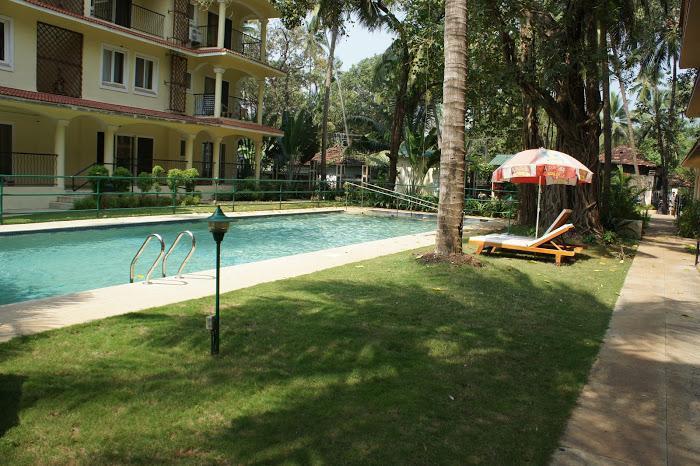 07) 1 Bed Apartment Emerald Court, Nagoa & Wi-Fi - Image 1 - Saligao - rentals