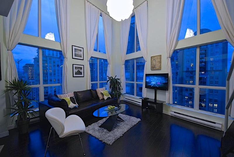 MODERN 2 LEVEL SUB-PENTHOUSE LOFT - Image 1 - Vancouver - rentals