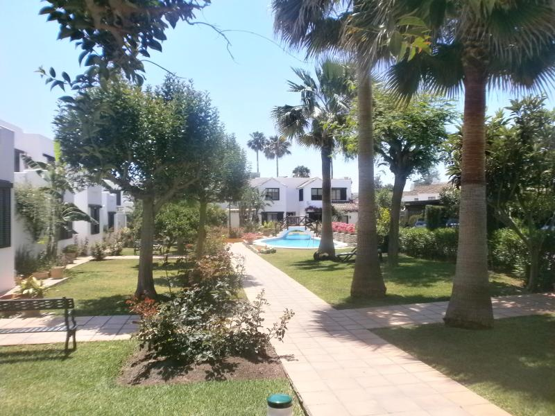 Beachside townhouse in Southern Spain Marbella - Image 1 - San Pedro de Alcantara - rentals