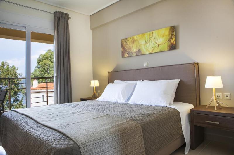 Double Bed Bedroom - Eucalyptus Apartments - Hyacinth - Sami - rentals