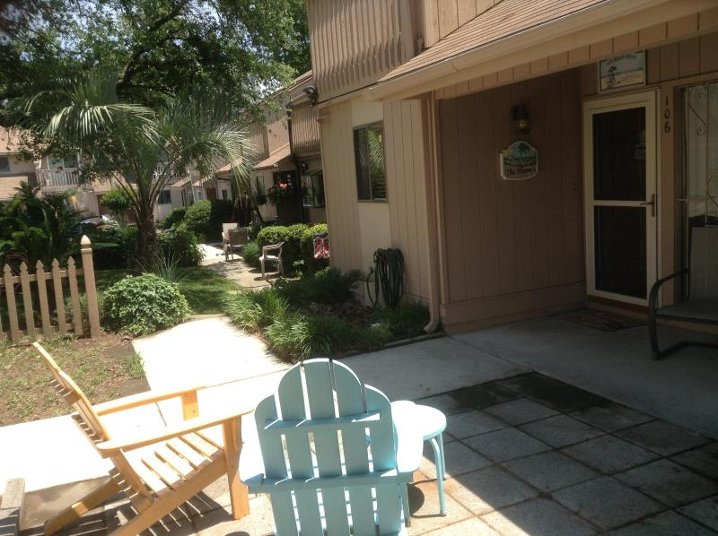 UNIT 106 - Excellent 3 Bedroom Townhouse with a Terrace and Grill, Myrtle Beach - Myrtle Beach - rentals