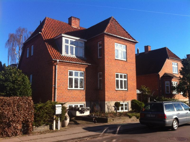 Apartment in the master builder villa., with FREE parking in front of the house. - Large apartment in Køge near Copenhagen :-) - Koge - rentals