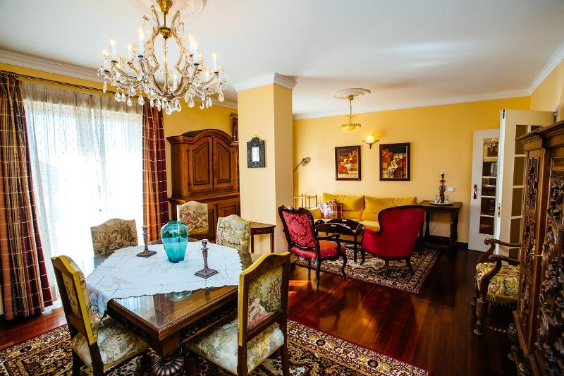 Dining table - The old towm apartment, Bela Santiago 1.11 - Funchal - rentals