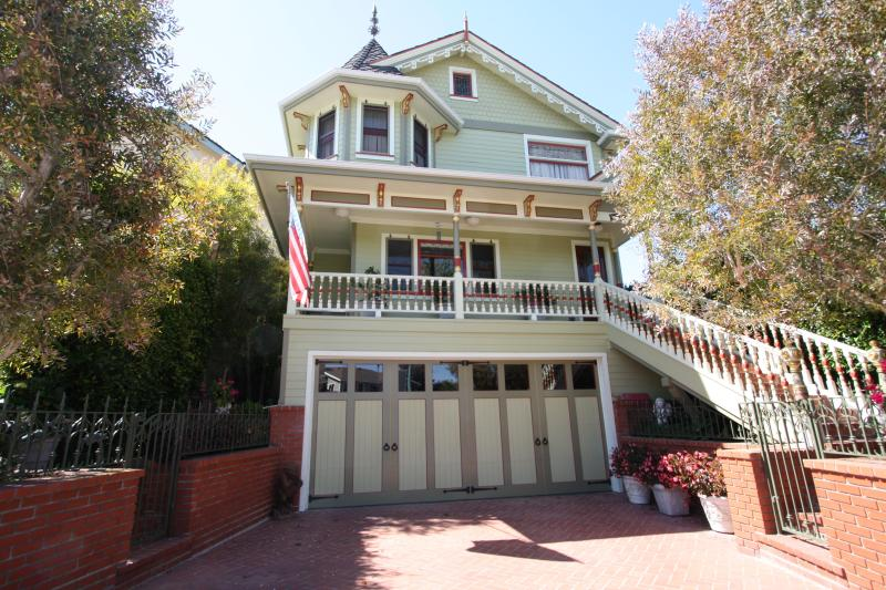 Front of our Beautiful Victorian Home - Stay in a Beautilul Victorian Home, 1-2 bedrooms - Redondo Beach - rentals