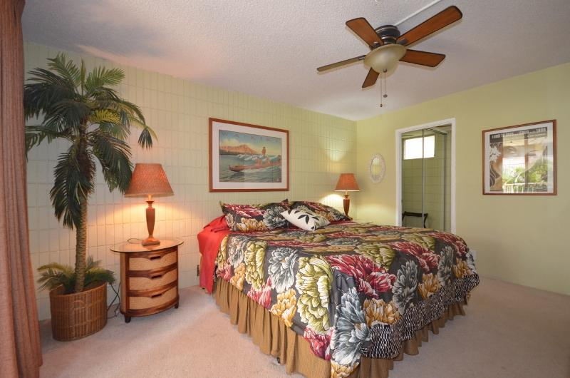 Beautiful Unit,Great Location- Steps to the Beach! - Image 1 - Kihei - rentals