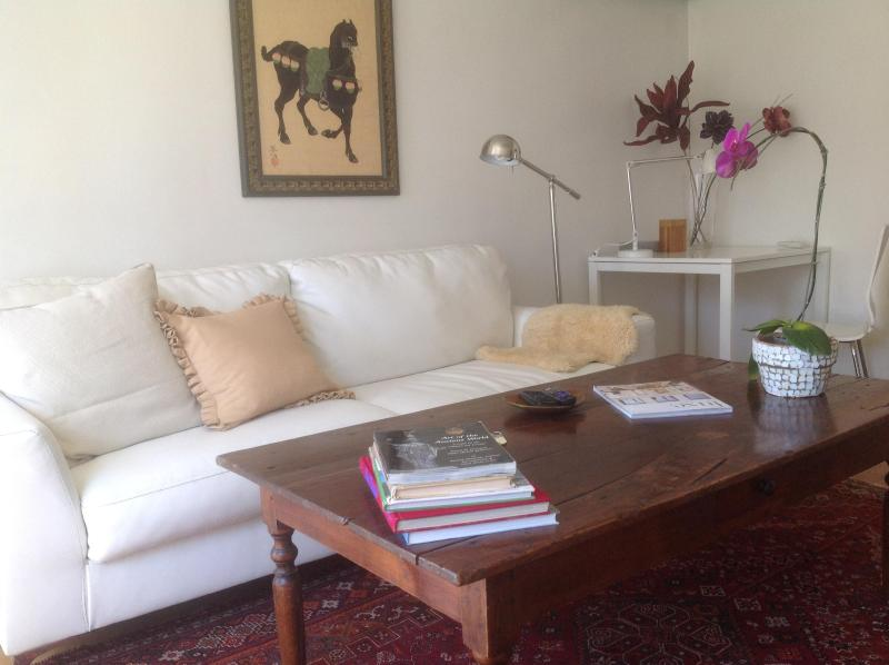 Cute and Cozy Cottage! - Image 1 - Glendale - rentals