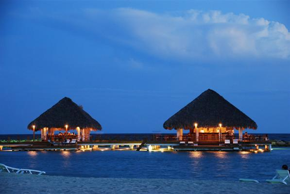 EL EMBARCADERO PRIVATE RESTAURANTE AT NIGHT - Exclusive Beach Apart. Club Hemingway Juan Dolio - Juan Dolio - rentals