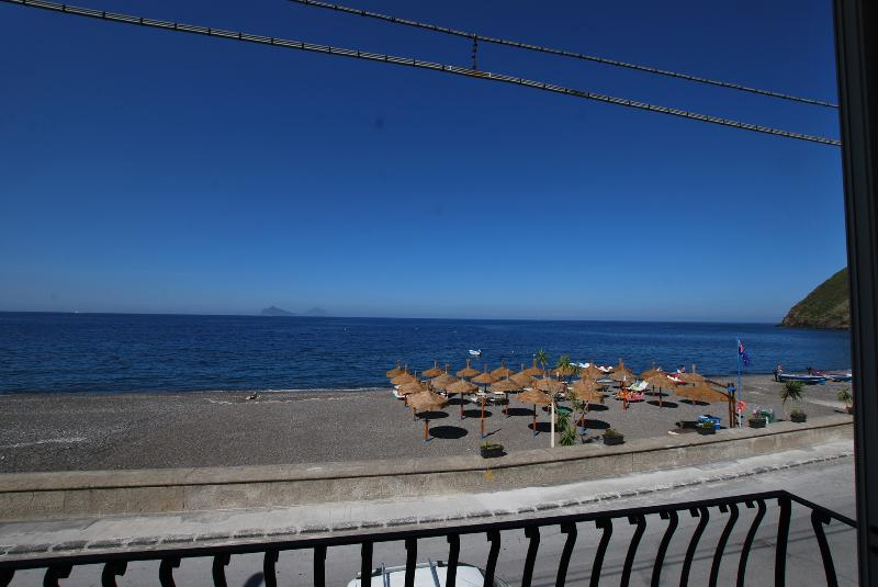 Oasi beach house in Lipari Canneto - Image 1 - Lipari - rentals