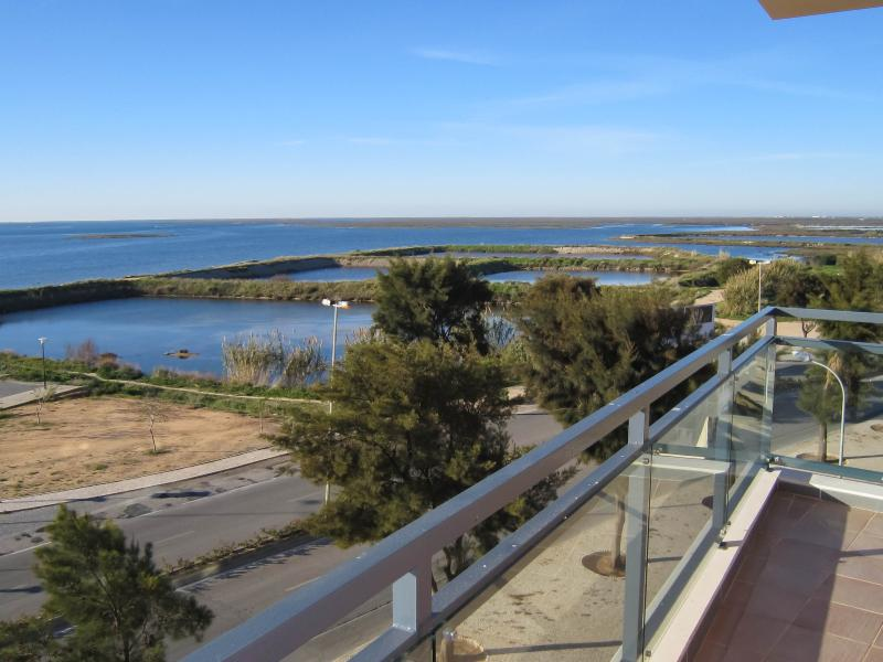 View from veranda west - VILLAGE MARINA: corner apartment OCEAN VIEW - Olhao - rentals