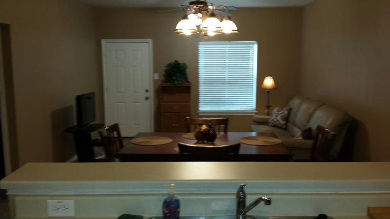 BE AT THE CENTER OF THINGS! CONVENIENTLY LOCATED - GROUND FLOOR APARTMENT HOME - Image 1 - San Antonio - rentals
