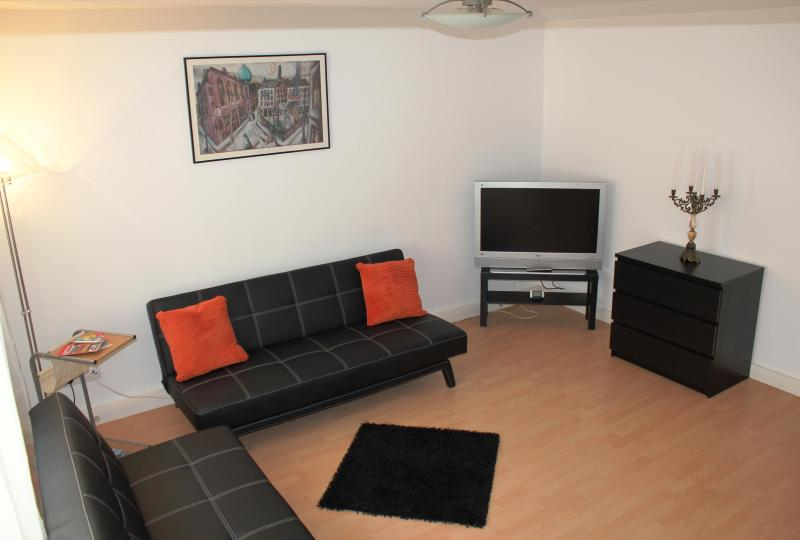 This is the living room. Both couches can be converted to beds. You will see the converted couch on a next picture. - Your comfortable 2-rooms next to the Messe center - Frankfurt - rentals
