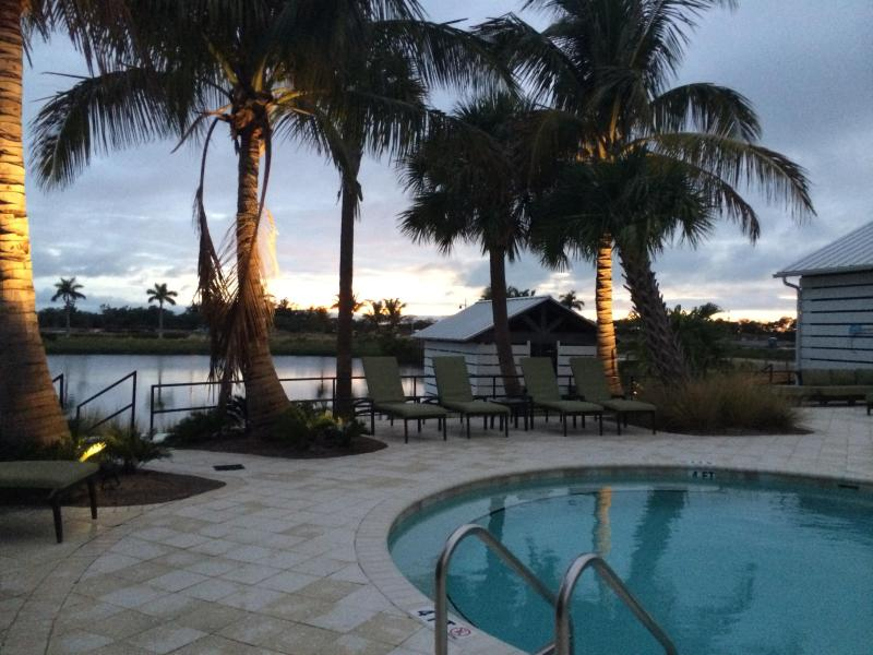Pool - New waterfront luxurious condo on Anna Maria sound - Bradenton - rentals