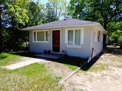 Cottage #1 - Biermans Cottage Company, Cottage #1, X-Large 8 pp - Wasaga Beach - rentals