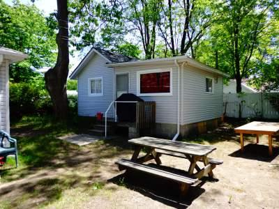 Cottage #3 - Biermans Cottage Company, Cottage #3, Large 6-8 pp - Camrose - rentals