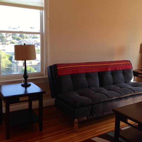 living room - Great location, views of the City annual lease - San Francisco - rentals
