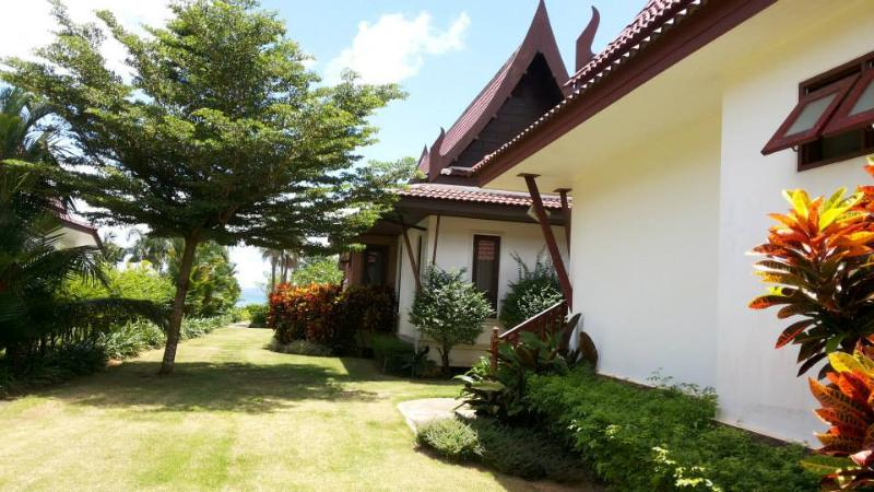 Lilly Bungalow with kitchen, near ocean & beach. - Image 1 - Koh Chang - rentals