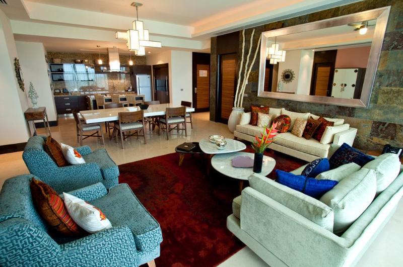Living room - Grand Luxxe Presidential Punta Villa - 3BR/3.5BA - Nuevo Vallarta - rentals