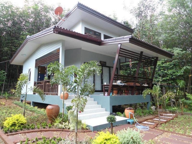 Rose Cottage near the sea, at Baan Talay Thai - Image 1 - Koh Chang - rentals