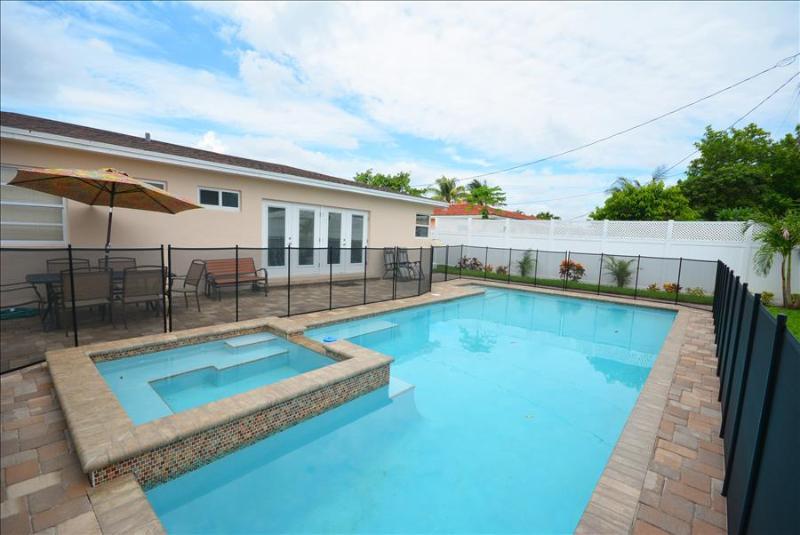 The Sunsational Villa  #1113  in North Miami Beach - Image 1 - North Miami Beach - rentals