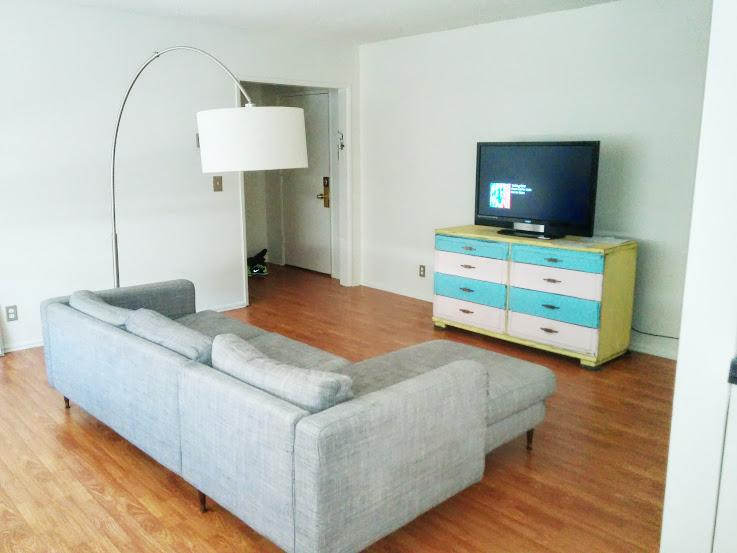 living room - 2 Bed/2 bath Apt in Sunset Strip + West Hollywood - West Hollywood - rentals