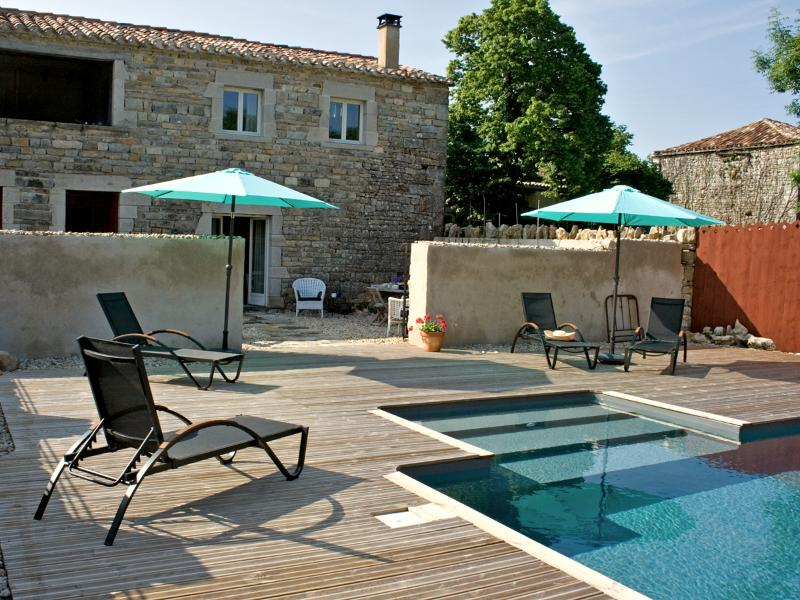 The cottage with rear terrace and pool deck - Maison de Charme/Piscine/4 Pers/St.Antonin 10 mins - Penne - rentals