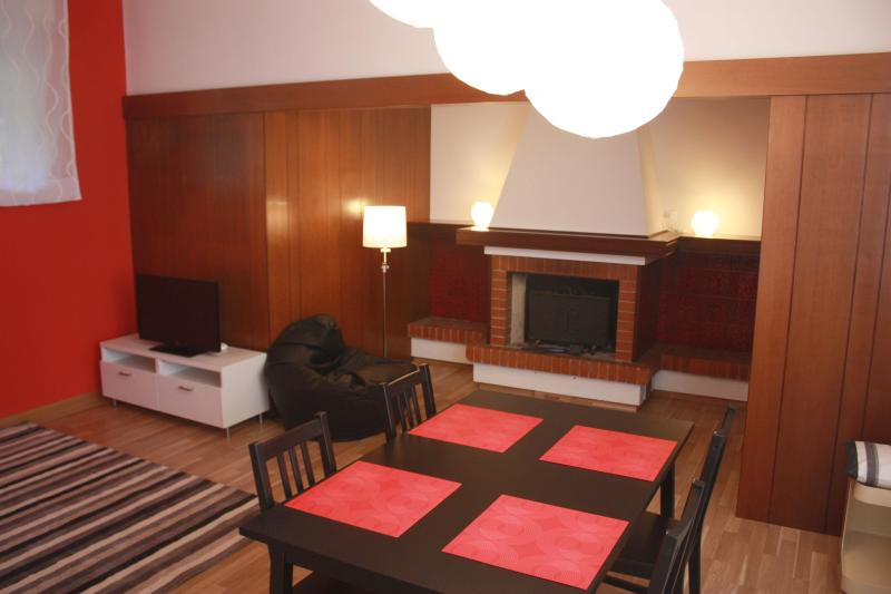 Living room with fireplace - Edera Residence Trieste - the mitteleuropean city - Trieste - rentals