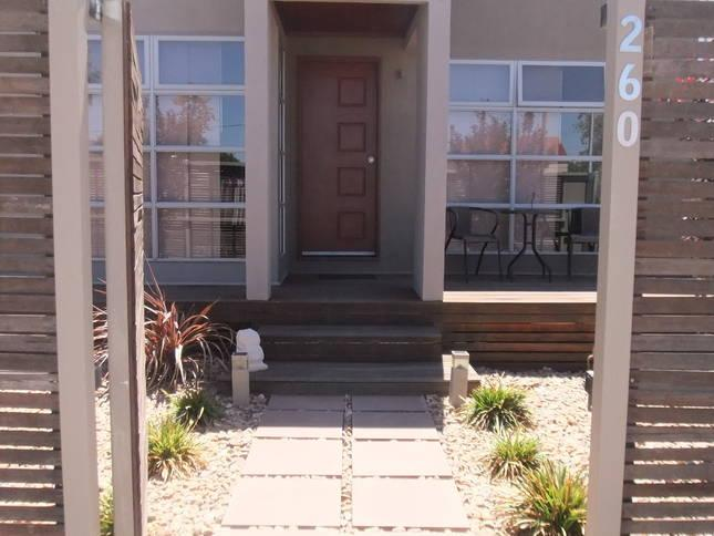 Maison de Chocolate - 1ST CLASS Modern Accomodation - 3xBed,2xBath+Bath - Broken Hill - rentals