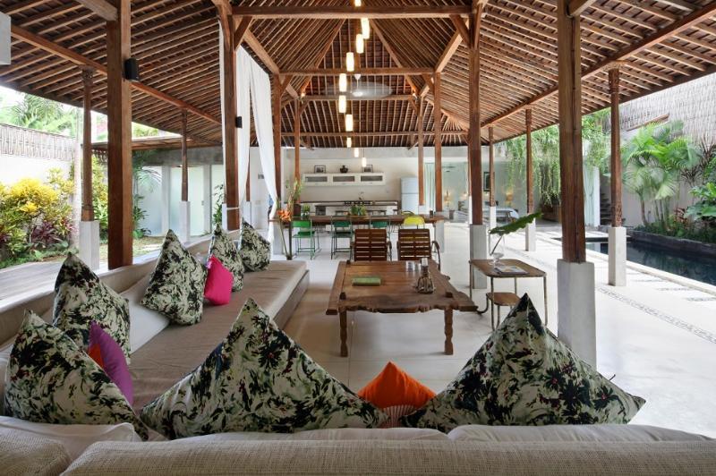 Villa Marie Clare - A Chic Villa in Batubelig - Image 1 - Seminyak - rentals