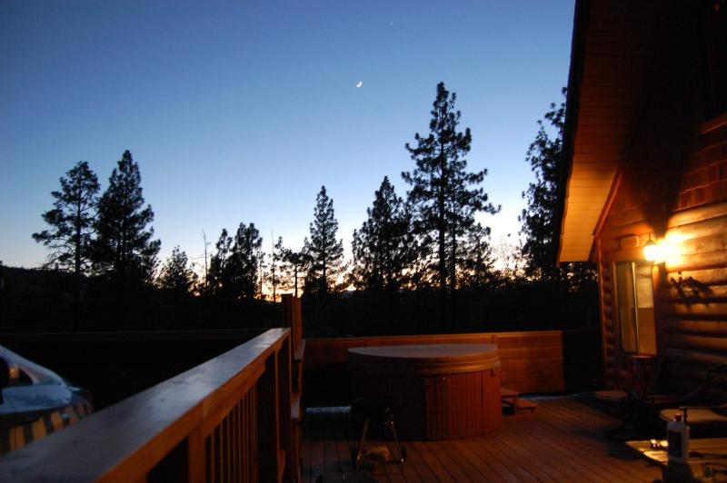 Your sunset view - Milo Bear Cabin - Ski views, spa, dogs welcome - Big Bear Lake - rentals