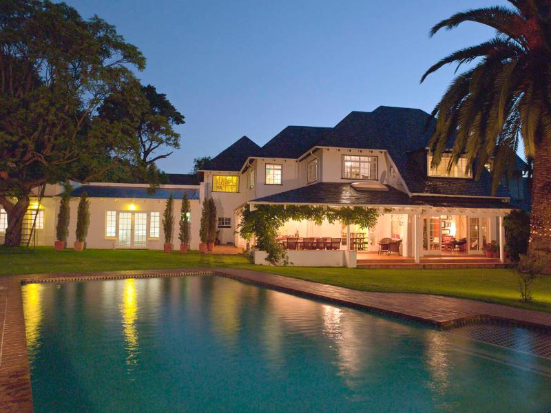 The Main house as seen from the guest units - Ten Stirling Bed and Breakfast - Johannesburg - rentals